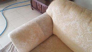 Lounge upholstery cleaning Albion Park